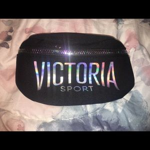 NWT Victoria Sport fanny pack